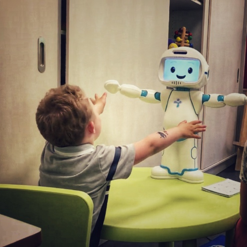 Allow our robot to help children with autism